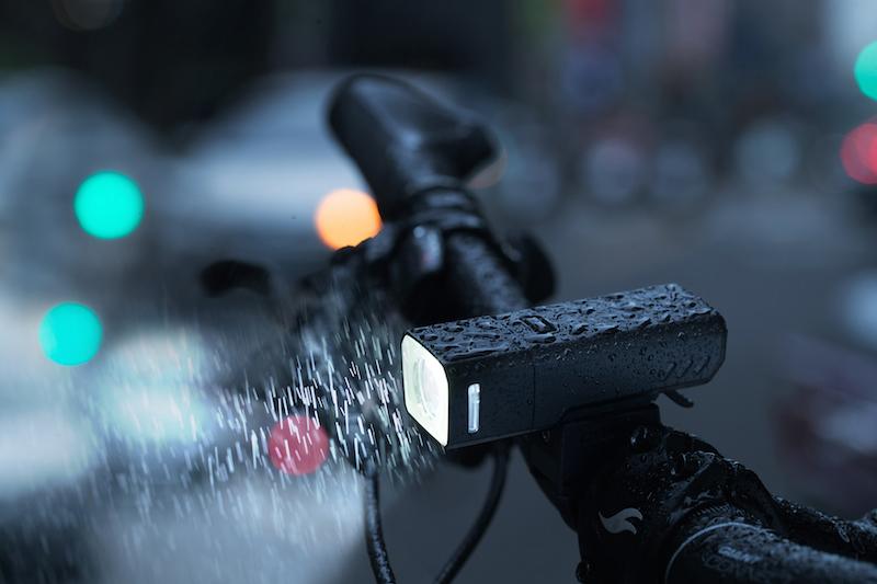 recon hl 500 明るさ長持ち 豪雨に負けないフロントライト サイクル