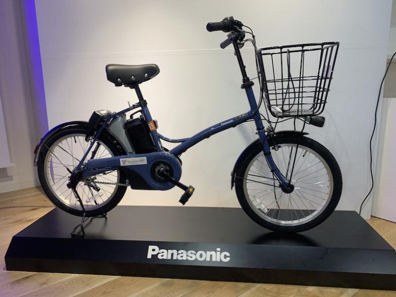 20インチの小径電動アシスト付き自転車「グリッター」が素体となった「IoT電動自転車」