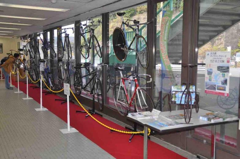 ファニーバイク、タンデム、アレックス・モールトン、クラシック自転車など全部で20台を展示