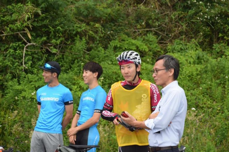 イベントの事務局長E-SPOの木部一さん(右端)をはじめ、多くのスタッフが一丸となってイベントを実現した