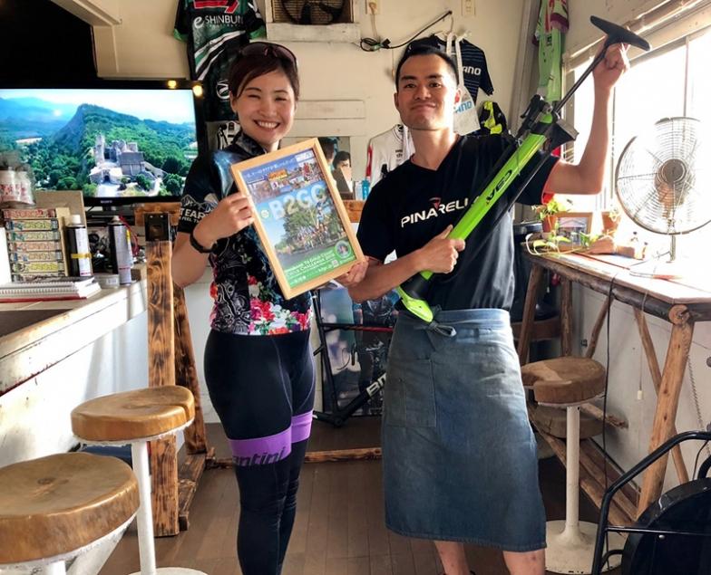 NPOカケルバイク代表 小野剣人さんが営むお店『チェレステカフェ』(沼津)は選手たちの間でも有名店