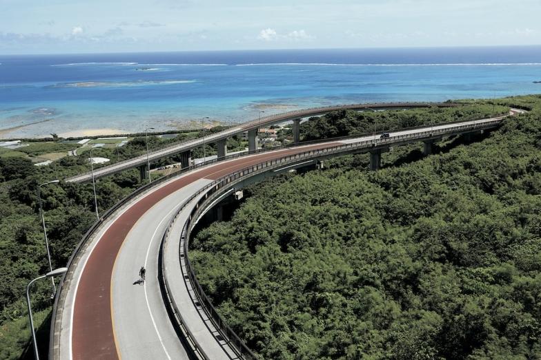 ニライ橋カナイ橋は眼下に海が見渡せる絶景スポット
