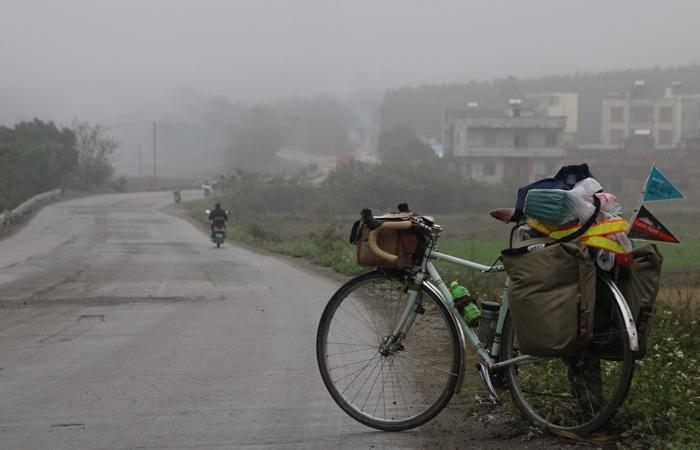 雨は止まない。自転車で走る楽しさも止まない