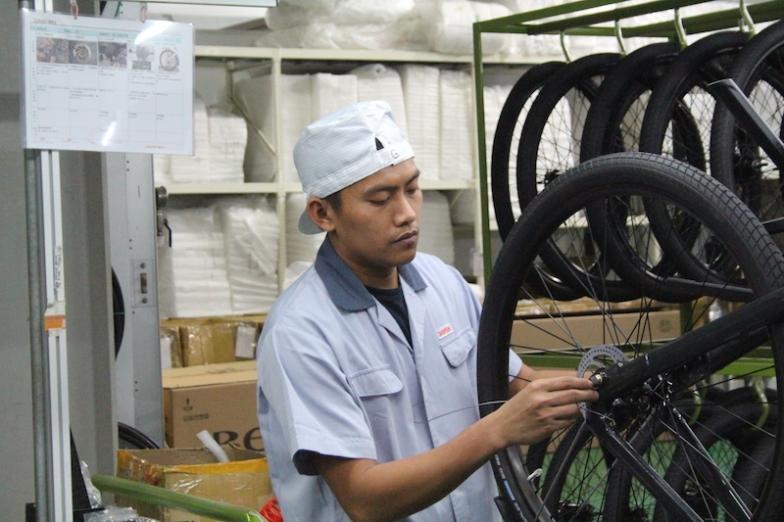桃園の本社工場内にアッセンブルラインを持ち、ライセンスを持った作業員の管理のもと組み立ても一貫して行っている