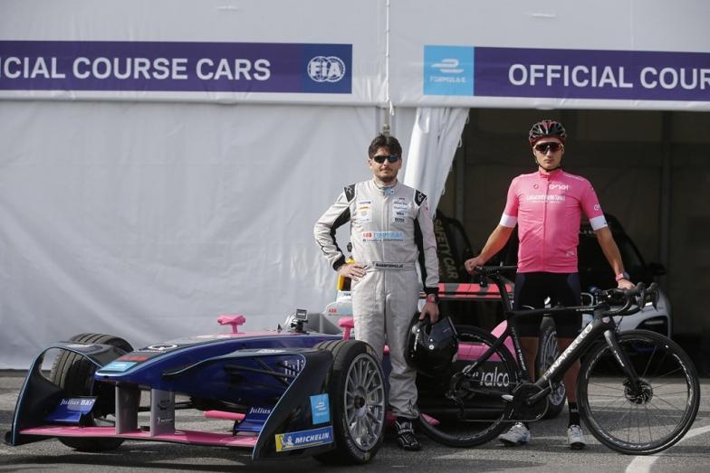 フォーミュラーカーのドライバーは、かつてジョーダンチームで佐藤琢磨のチームメイトでもあったジャンカルロ・フィジケラ