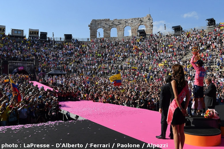表彰式が行われたヴェローナのアレーナには、大勢の観客が詰めかけていた