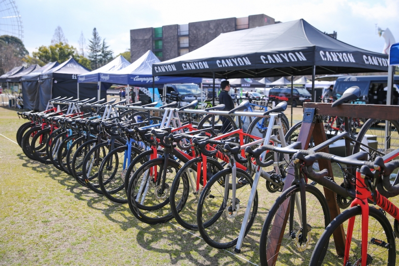 キャニオン最新モデルから多数の試乗車を用意 ©Canyon Bicycles
