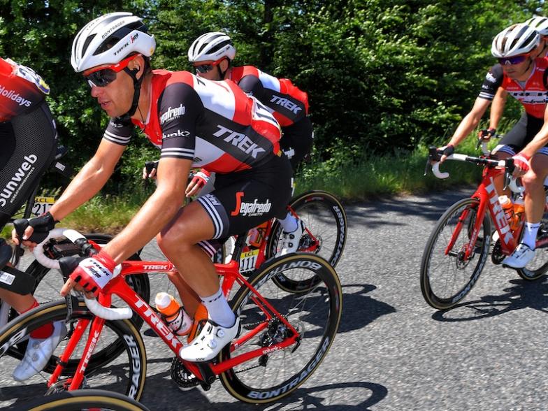 UCIワールドチーム「トレック・セガフレード」も使用するXXXシューズ