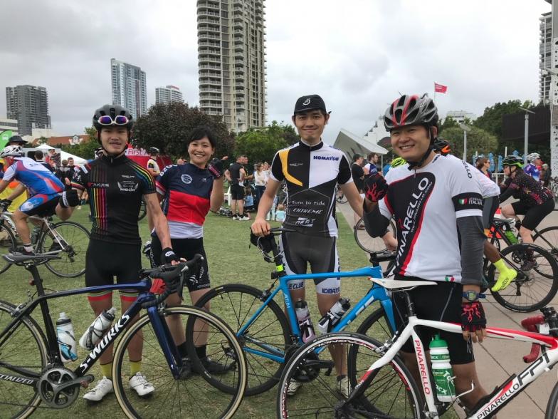 左から拓也さん、アツノリさん、シンヤさん。皆さん疲れを感じさせない、いい笑顔!