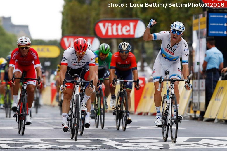 シャンゼリゼ区間を初制覇したヨーロッパチャンピオンのクリストフ (©Bettiniphoto)