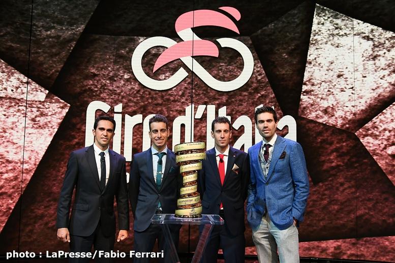 RAIの生放送に登場した豪華ゲスト。右からディフェンディングチャンピオンのドゥムラン、ニバリ、アルー、コンタドール