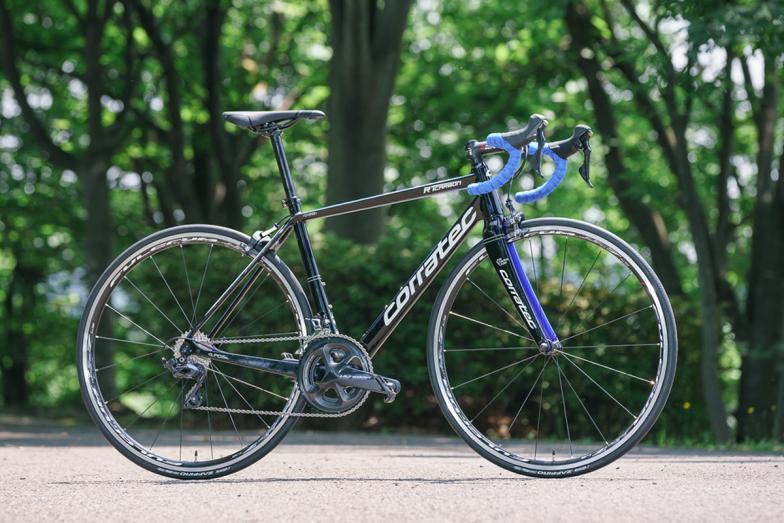 試乗バイクは「コラテック・R.T.カーボン」シマノ・アルテグラR8000完成車価格/31万4000円(税抜)