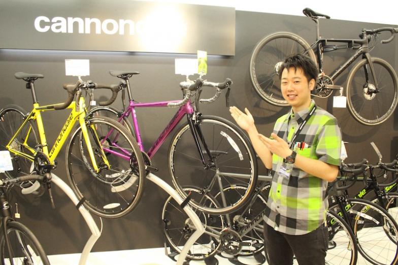 「自転車の楽しみを、魅力をキャノンデールを通してお伝えします」とスタッフの山本喬士さん