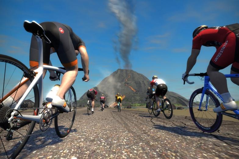 ズイフト内のオリジナルコース「WATOPIA」では火山や海底トンネルを走る
