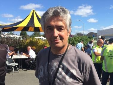 FDJ監督マルク・マディオも未来の逸材を探しにロックバンドのTシャツ姿で偵察(photo:CyclismeJapon)