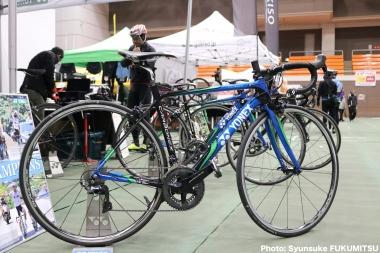 ヨネックスが誇るメードインジャパンバイク「カーボネックス」