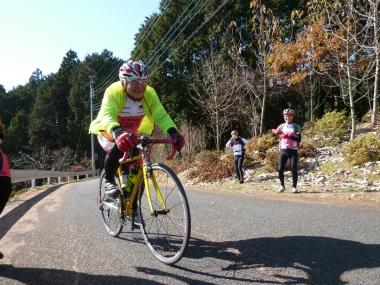 坂はそれぞれのペースで完走 Photo:Yoko Oya