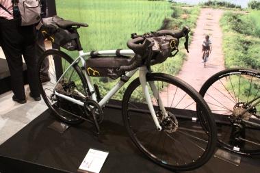 バイクパッキングスタイルのRL6Dティアグラモデル