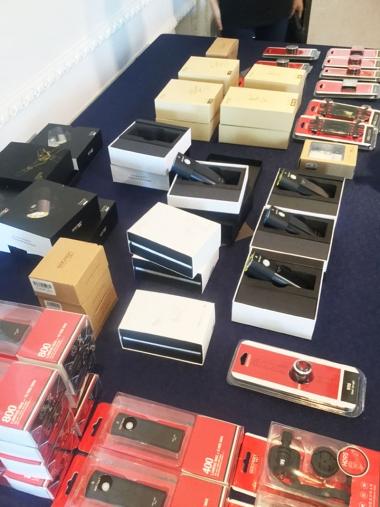 発売されているものと、バッテリー別体タイプのライトやモバイルバッテリーなど、今後発売予定の商品も並んでいた