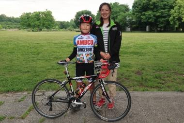 小林武尊君と母のあゆみさん Photo:サイクルスポーツ編集部
