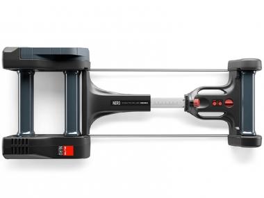 11段階のアジャスター機能が搭載されており、様々なホイールベースのバイクに対応