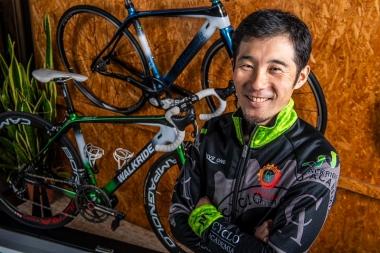 今回解説してくれる自転車プロコーチ・須田晋太郎さん