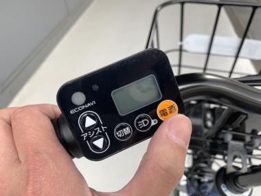バイク側のスイッチから電源をオンにすれば、自動的にバイクのサークル錠が解錠。これで自転車を利用できる