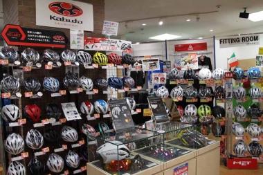 同時に改装オープンした名古屋本館、名古屋ウェア館、名古屋クロスバイク館。地域最大級の豊富なラインナップが魅力だ