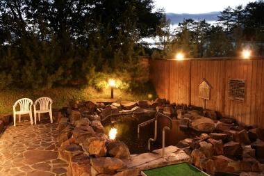 源泉かけ流し100%天然モール温泉「美人の湯」