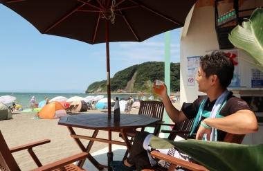 ノンアルコールビールで満喫中 Photo:サイクルスポーツ編集部