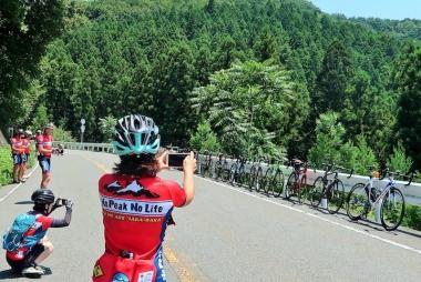 景色のよいところでは愛車撮影会 Photo:サイクルスポーツ編集部