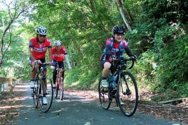 一人ぼっちになることはなく、仲間と走る Photo:サイクルスポーツ編集部