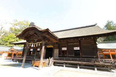 大山祇神社が建つ宮浦地区は古くから栄えた港町。そして、他府県から移住したIターンの方々が多く、新しい取り組みも盛ん