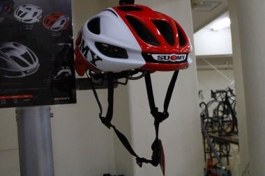 コフィディスが使うスオーミーのヘルメット「GLIDER(グライダー)」(価格:2万8000円・税抜)