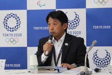 出場チームや見どころについて話す東京2020大会組織委の片山右京マネージャー。イタリア代表を例に、「本気の選手がやってくるのが非常に楽しみ」