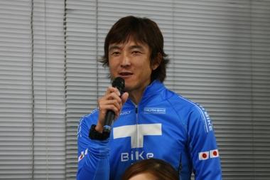 ライブガーデンの鈴木コーチ