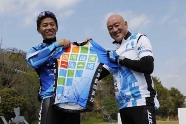 會羅祥安会長(右)と門田基志さん