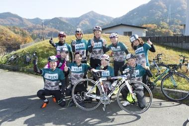 県内からチームで参加、「TSCC(太平興業サイクリングクラブ)」の皆さん。今年の走り納めとしてこのイベントを選んだ!