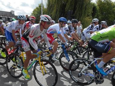 ツール・ド・ラヴニール第2ステージ スタートシーン(photo:CyclismeJapon)