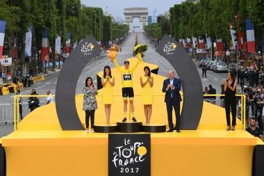 第104回ツール・ド・フランスで4度目の個人総合優勝を果たしたクリス・フルーム(チームスカイ)