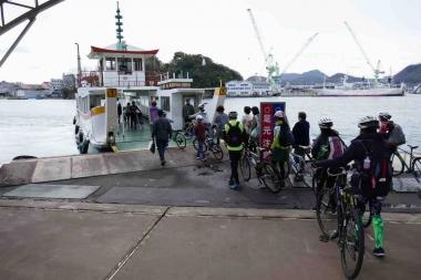 しまなみ海道の向島と尾道を結ぶ渡船。広域ルートで唯一の乗船区間