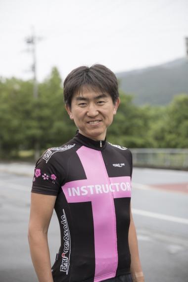 香立武士さん:シクロパビリオンのインストラクター。元選手で経験豊富なベテラン。各種プログラムのコーチングも務める理論派。