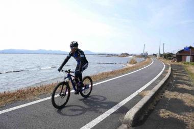 やまなみ街道には、大規模自転車道の宍道湖北自転車道が組み込まれている