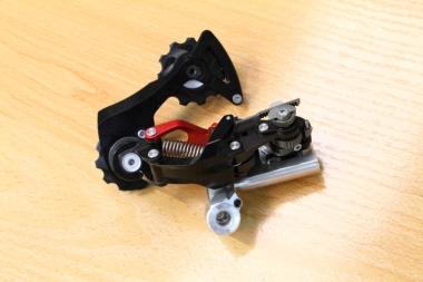 ローターのコンポーネント「ウノ」のリヤディレーラーの試作品