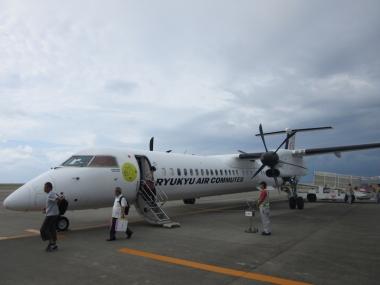 沖縄本島(那覇)から久米島へは、JTA(日本トランスオーシャン航空)が就航しており、所要時間はたったの30分