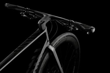 特徴的なステム一体型ハンドルバー ©Canyon Bicycles
