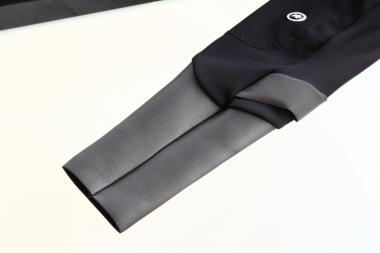 LLボンカタイツの裾部分。グレーの素材がニルプリンだ