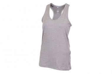 女性モデルでは、ヨガやジムでも着られる「Trixie」6400円(税抜)が新登場