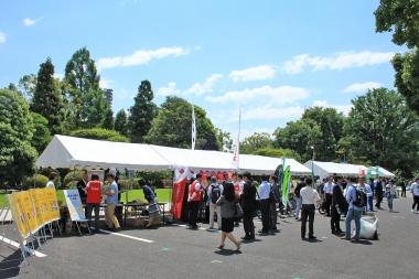 国会敷地内において自転車関連団体・企業が展示会を開催