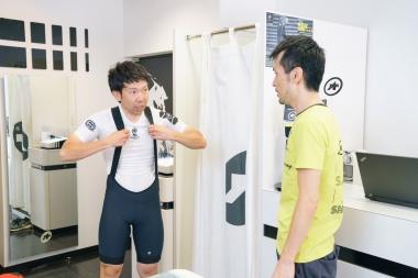 アソスプロショップ東京でサイジングを行った中山さん